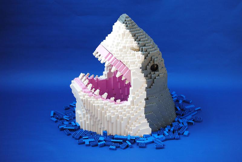 Requin en légo de Felix Jaensh